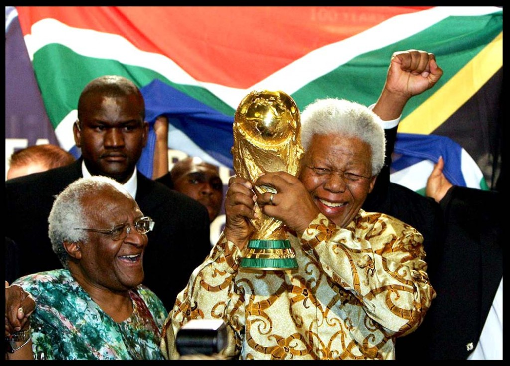 nelson mandelas leadership essay Critical analysis of nelson mandela's leadership style 1 this essay looks at one of the this framework will be used to analyse nelson mandela's leadership.