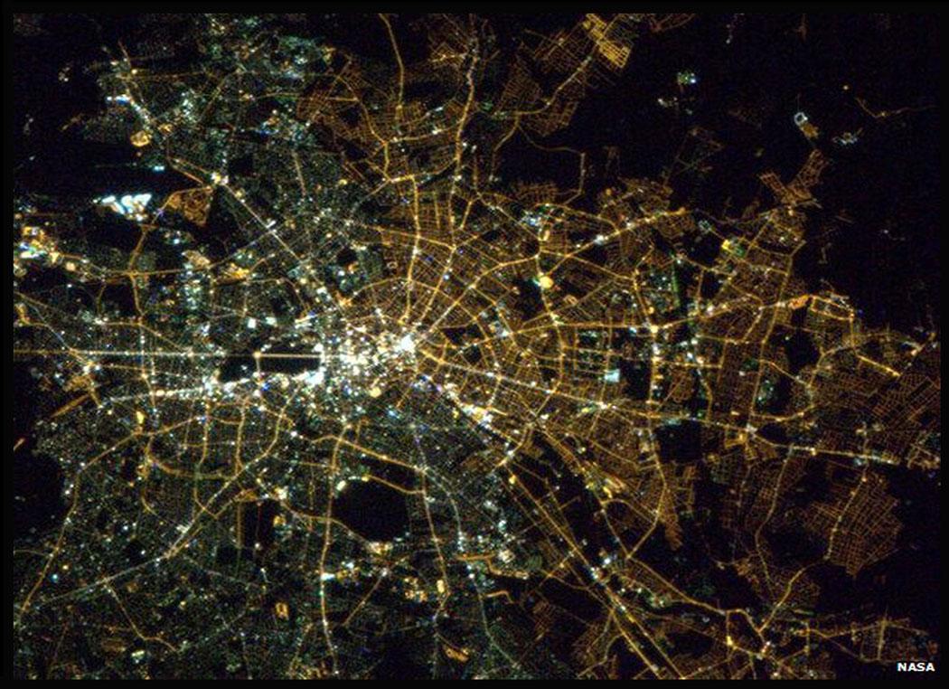 Resultado de imagen para east berlin vs west berlin