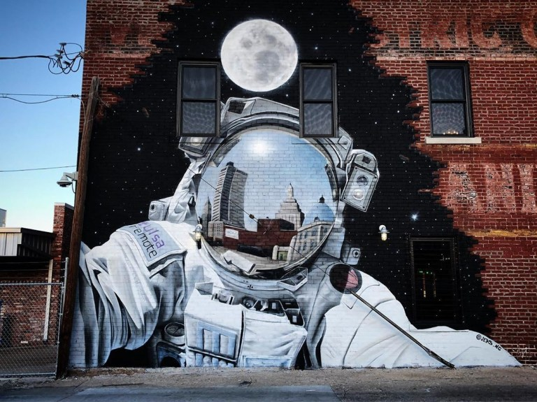 best street art in USA - Nasa and street art