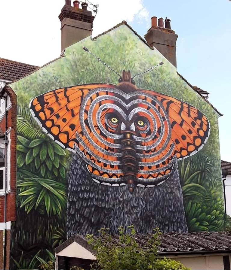 best of street art in England Cee Pil in Bexhill-on-Sea, UK